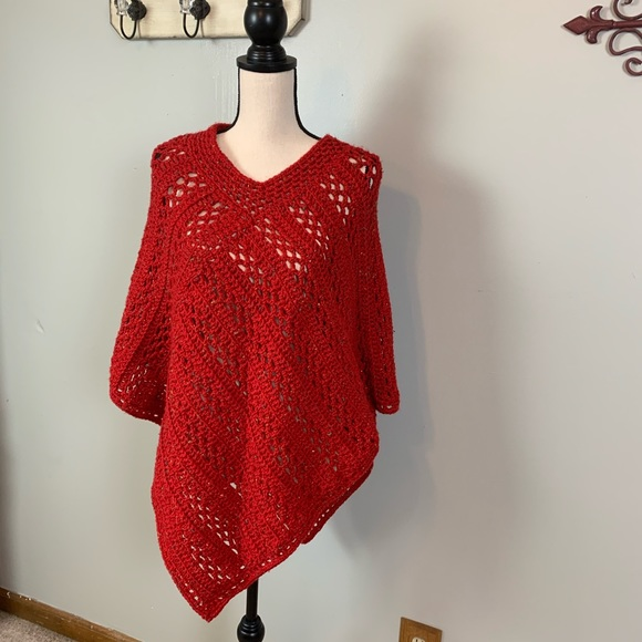 Sweaters - Vintage Handmade Crochet Poncho /Red